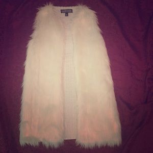 Almost Famous white fur vest